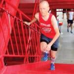 Vertical running vinder frem